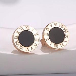 Jewelry - 14k Roman Numeral 10mm Earrings Studs